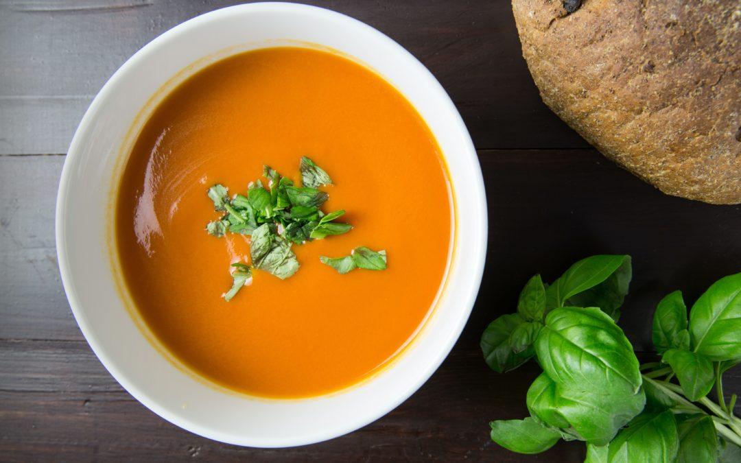 Erfrischende Möhren-Ingwer-Kokos-Suppe