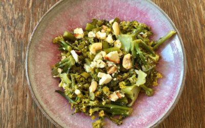 gebackener Brokkoli mit Feta und Nüssen