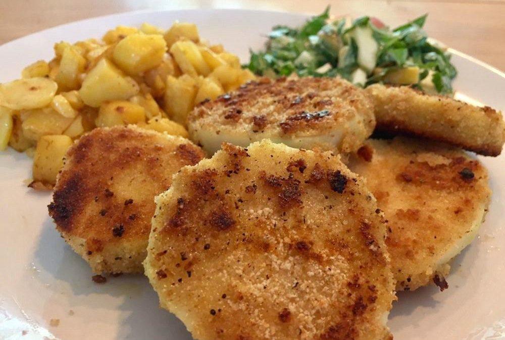 Knusprige Sellerieschnitzel mit Kartoffeln
