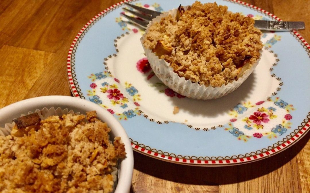 Fluffige saftige Apfel-Streusel-Muffins