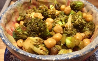 Einfache Brokkoli-Pfanne mit köstlicher Knoblauch-Ingwer-Sauce