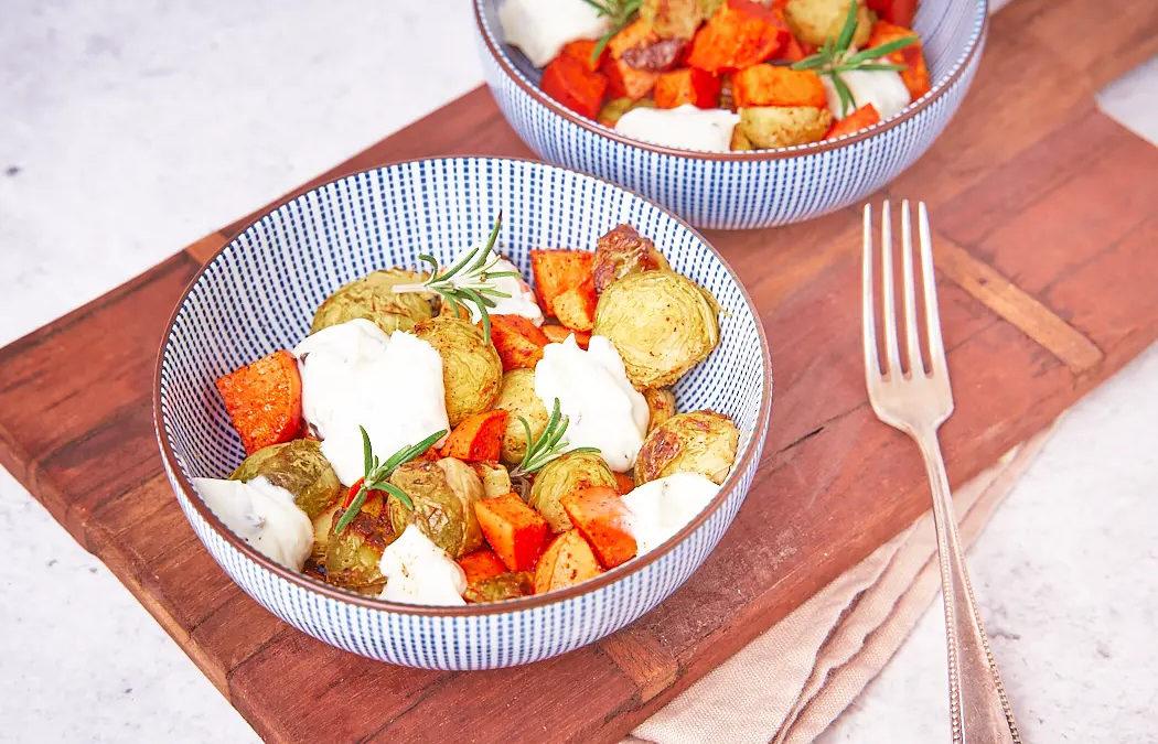 Gerösteter Rosenkohl mit Süßkartoffeln & Kräuterquark