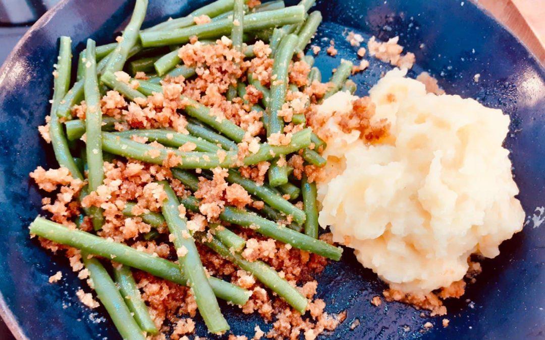 Buschbohnen mit Semmelbröseln und Kartoffelpüree