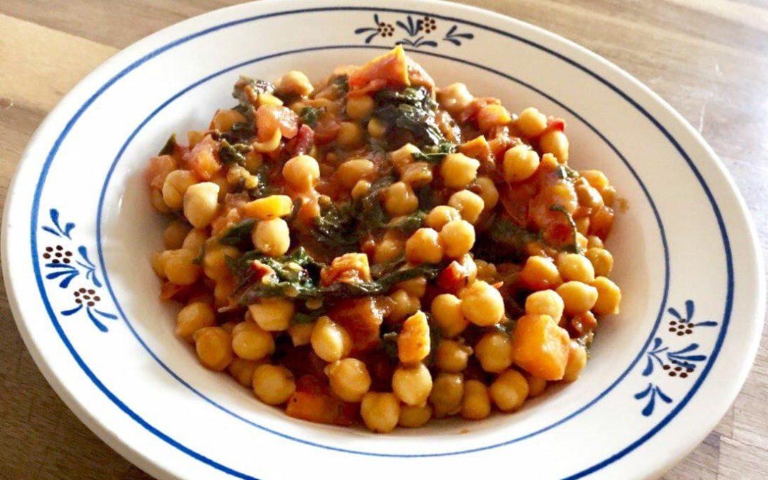 Kichererbsen-Curry mit Mangold & Tomaten